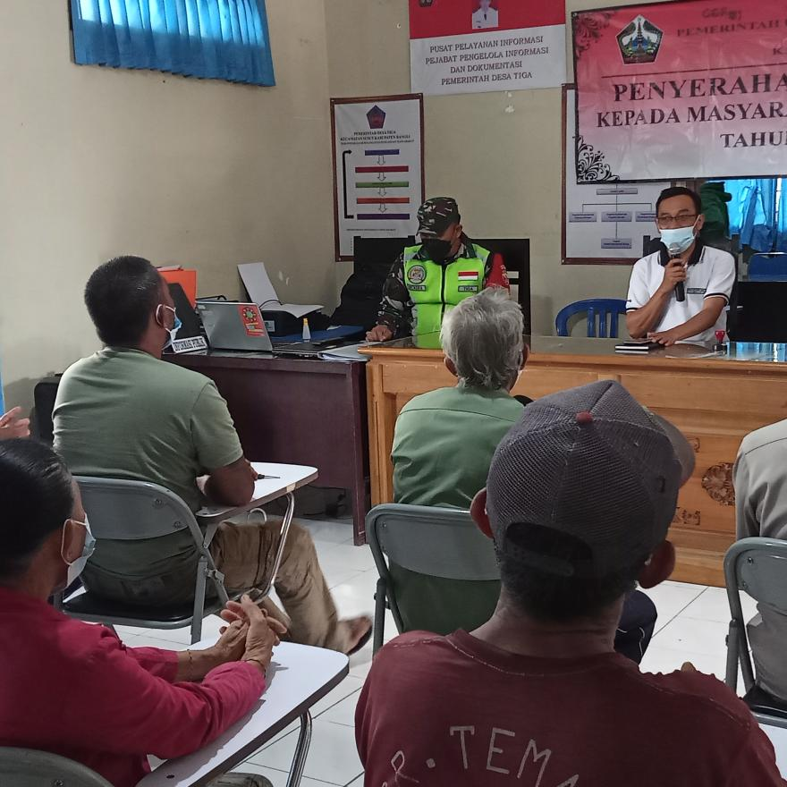 Penyerahan Bantuan Langsung Tunai (BLT) Dana Desa Tahap V Desa Tiga tahun 2021