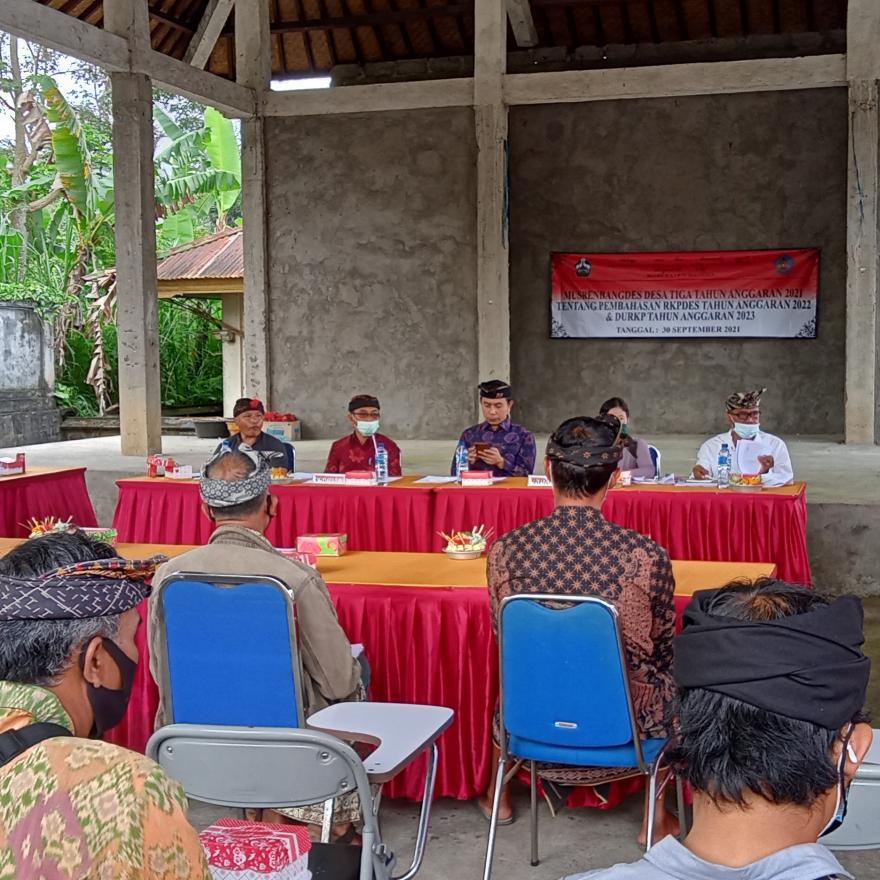 Musrenbangdes Desa Tiga Tentang Pembahasan RKPDES tahun 2022 dan DU-RKP tahun 2023